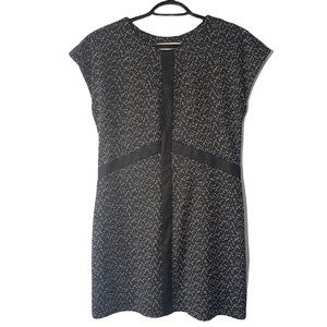 Eve Gravel Black Dress size L